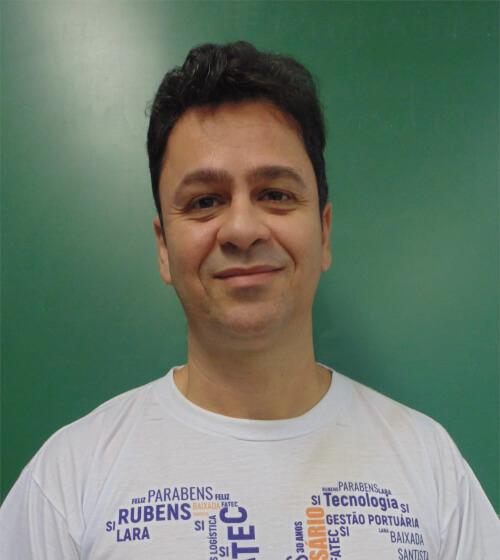 foto do professor Renato Marcio dos Santos